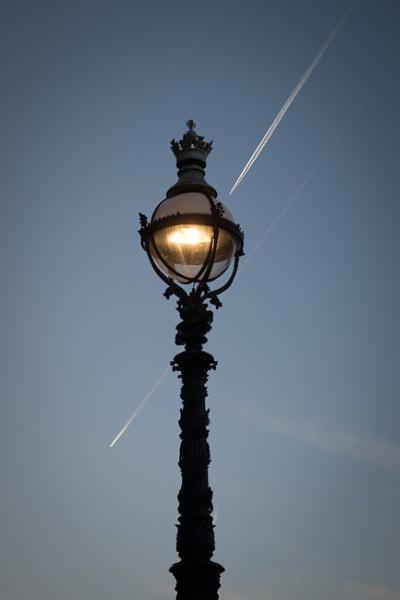 Street Lamp by RolandC