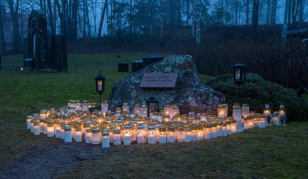 Graveyard - 2. by Jukka