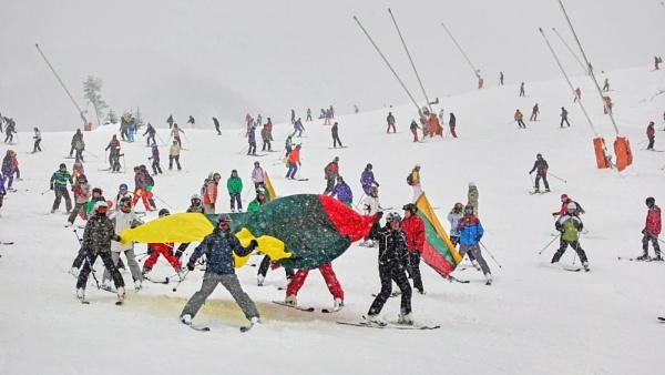 The joys of winter by LotaLota
