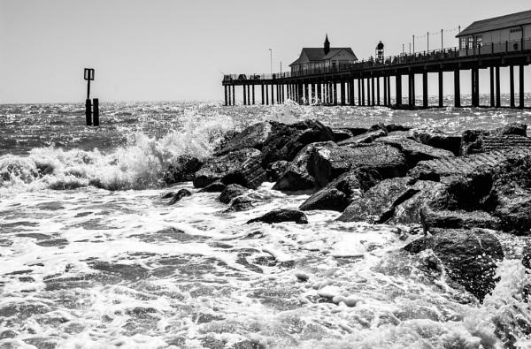 Pier by nclark