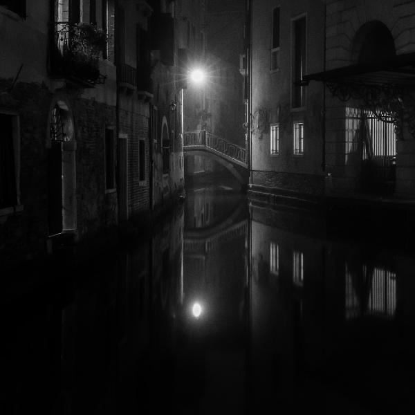 Spooky... by trusth
