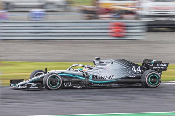 Lewis Hamilton by xbolt