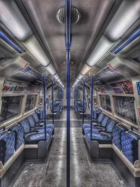 Northern line Train by StevenBest