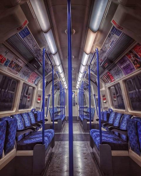 London underground by StevenBest