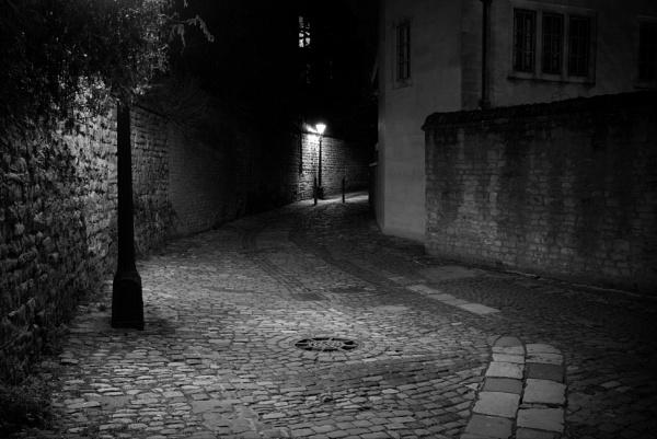 Alleyway by alfpics