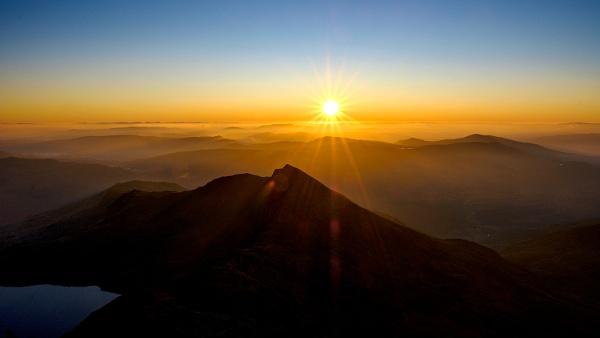 New year sunrise by John_Wannop