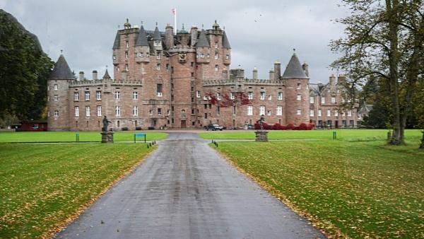 Glamis Castle, Scotland by johnwnjr