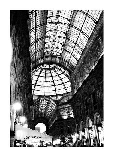 Shopping - Milan Style by Lontano