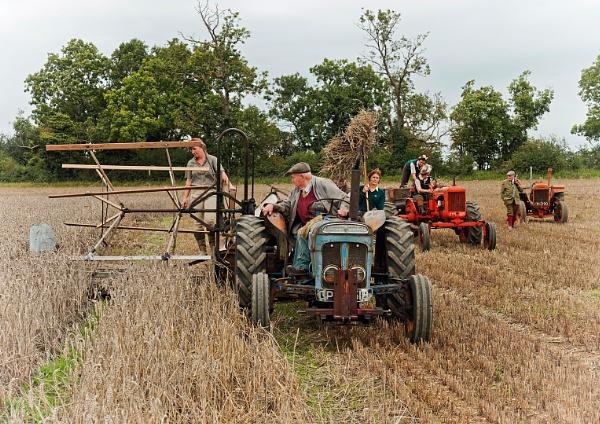Grandfathers Farm by saxon_image