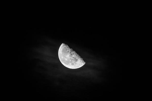 Half - half moon by philstan