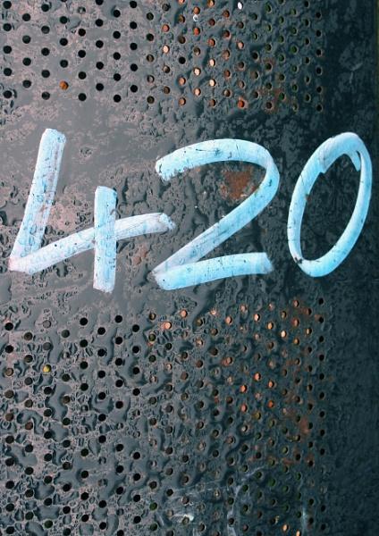 420 - ? by helenlinda