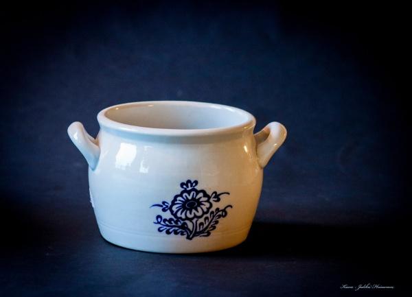 Porcelain. by Jukka
