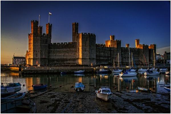 Caernarfon Castle by dven