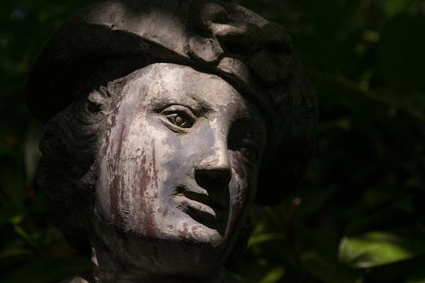 Statue by cjhowland