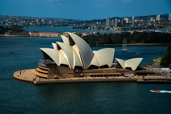 Sydney Opera House by terra