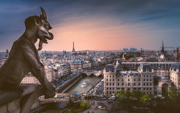 Paris Skyline (II) by chowe328
