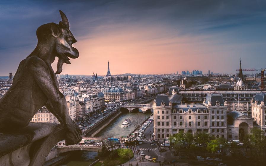 Paris Skyline (II)