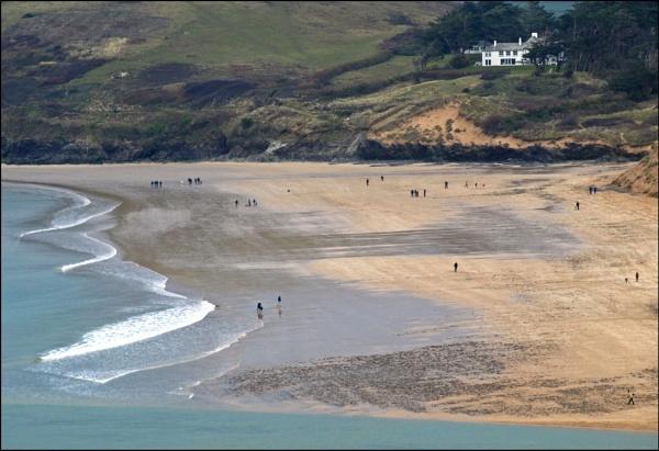 The beach - Rock by JuBarney