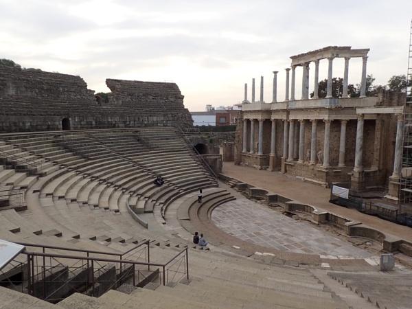 Roman amphitheater by voyger1010