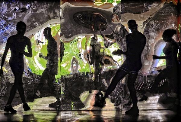 Dance in the dark by MAK54