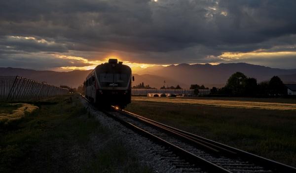 Train in sunset by Izak1333