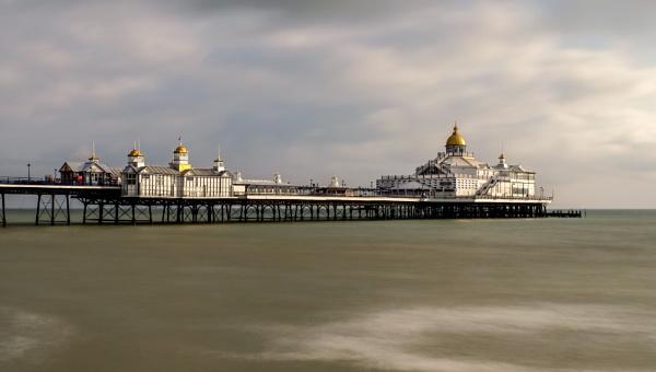 Eastbourne pier by 64Peteschoice