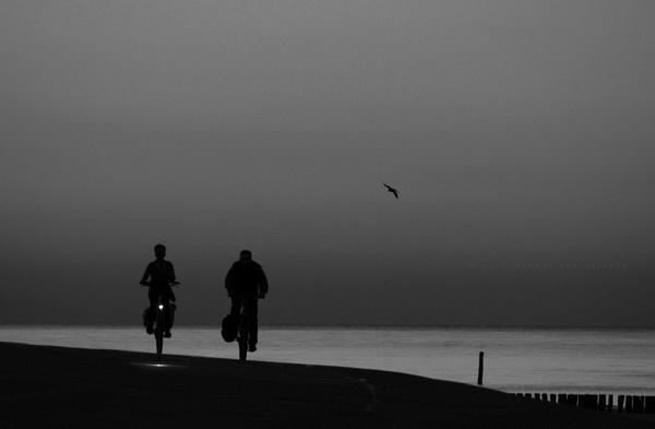 day end riders by senn