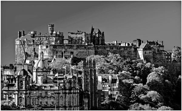 Edinburgh Castle from Calton Hill by mac