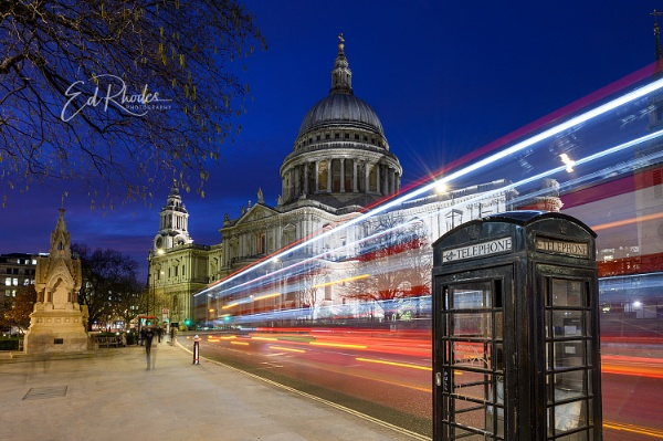 St PaulÂ's by night by edrhodes