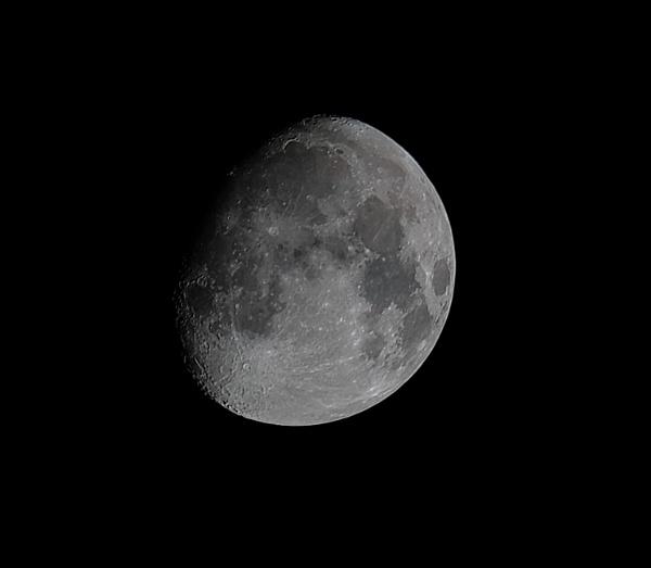 Moon by bluetitblue