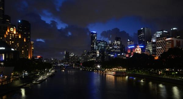 City Night Auz by Dugs