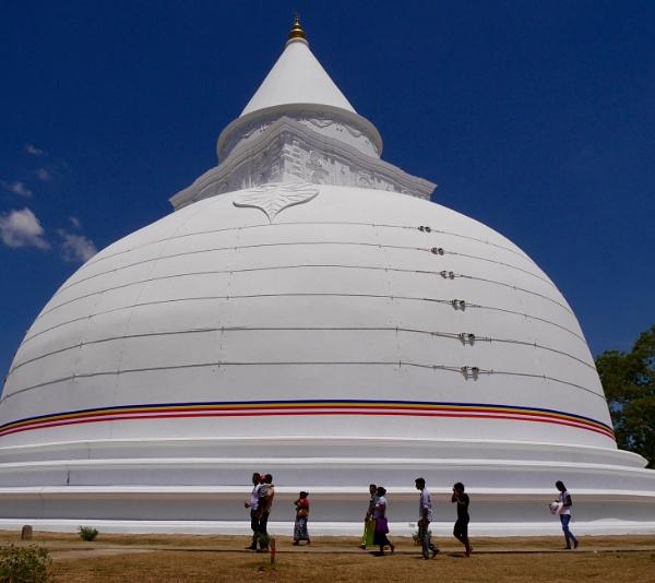 Stupendous stupa, Sri Lanka ... by chrisdunham