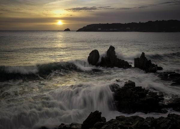 St Brelade\'s Sunset by happysnapper