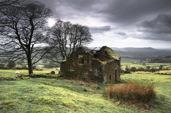 Roach End Barn by Trevhas
