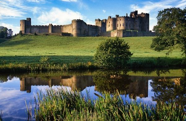 Alnwick Castle by trailguru