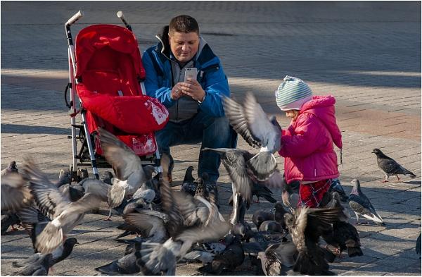 Feeding the Rats by Tobytoes