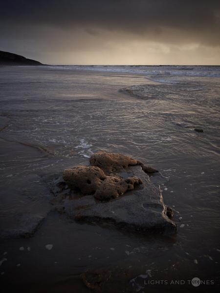 Spongy Islet by jarvasm