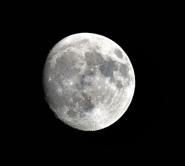 Moon Shot by robertsnikon