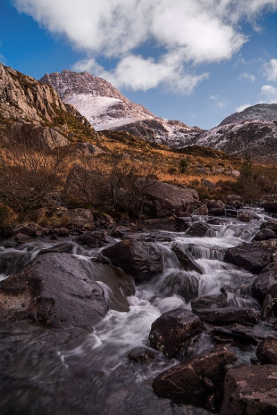 Looking up at Tryfan by Brenty