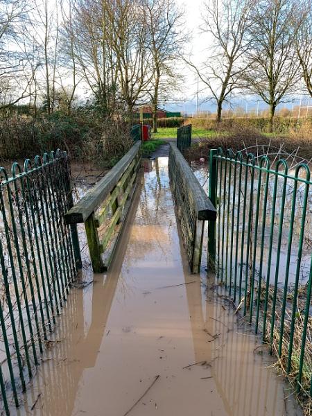 Bridge Under Troubled Waters ! by RLF
