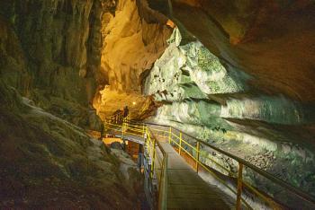 Cave Tempurong - Malaysia