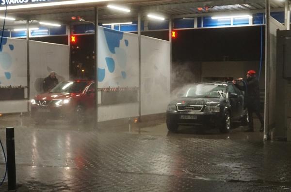 Car washing by SauliusR