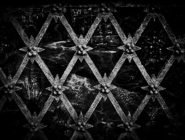 Criss-Cross by adagio