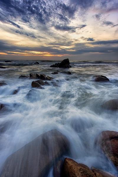 Waves and the Sea. by Buffalo_Tom