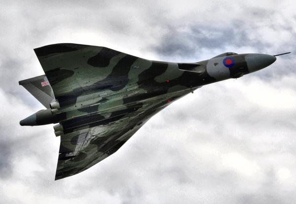 Avro Vulcan by woodini254