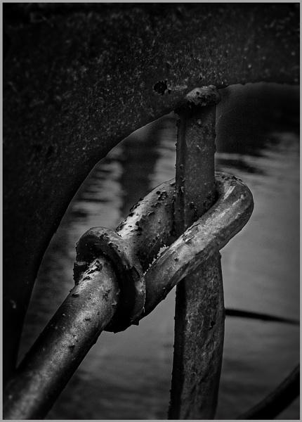 Iron Knot by AlfieK