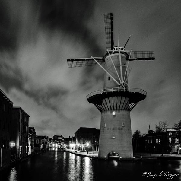 Mill at night by joop_
