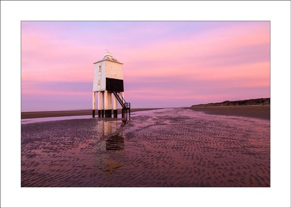 Burnham Lighthouse by Steve-T