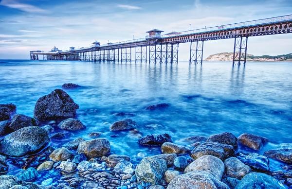 Llandudno pier by roge21