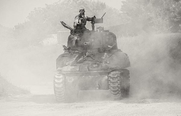 Tank fest Sherman by rontear
